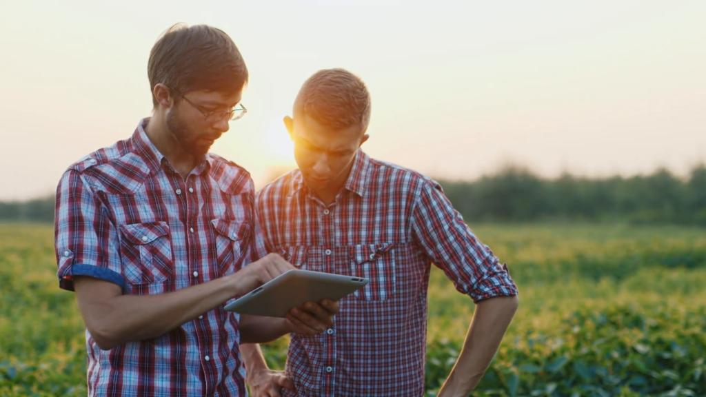 Futuros agrónomos, sector productor